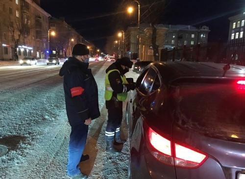 Не подумали о детях. 25 водителей оштрафовали за перевозку юных пассажиров без кресел