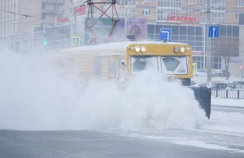 Последствия стихии устраняются. Сергей Бердников попросил горожан отказаться сегодня от личного транспорта