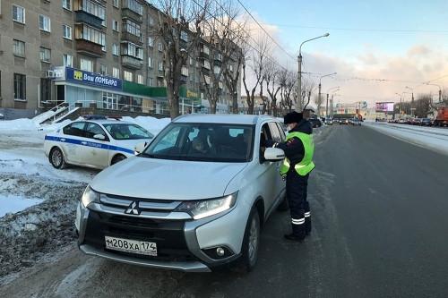 Им грозит штраф. В Магнитогорске 25 водителей нарушили требования к перевозке детей